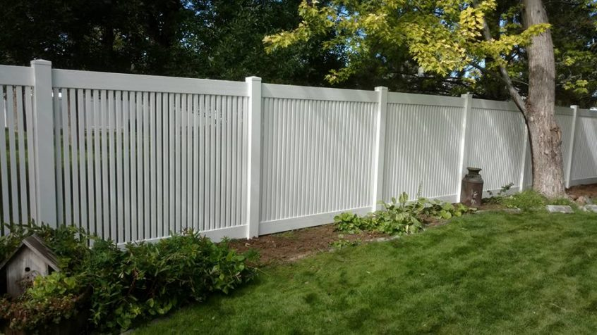 How Much Does Vinyl Fence Installation Cost?