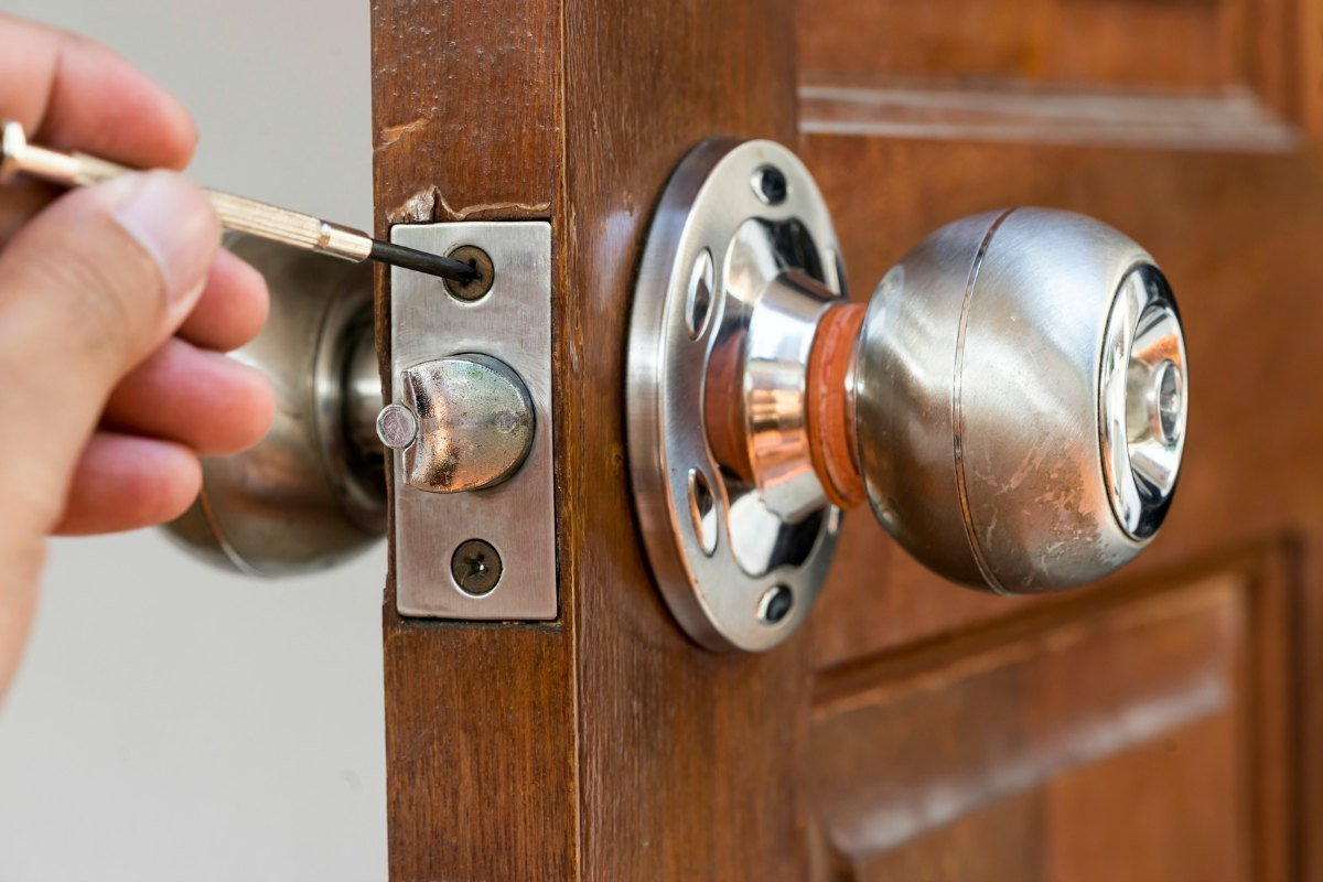 Home or Car: How Much Does a Locksmith Cost?